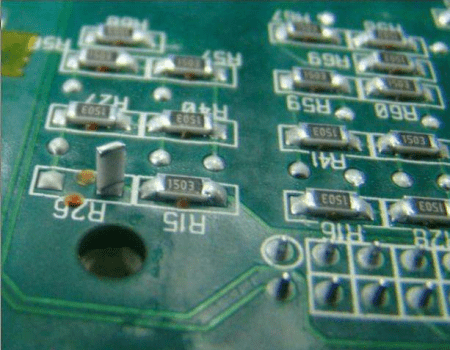How Does the SMT Factory Deal With the Tombstone Phenomenon of Chip Components?